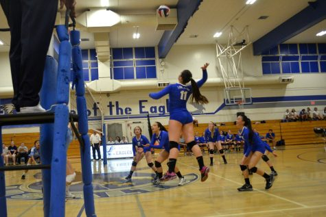 Girls Volleyball Gains Decisive Win over Leland in First Home Game