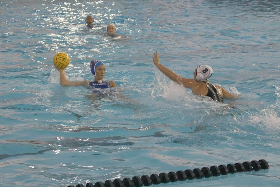 Senior co-captain Ellen Roper takes a shot. Photo by James Sun.