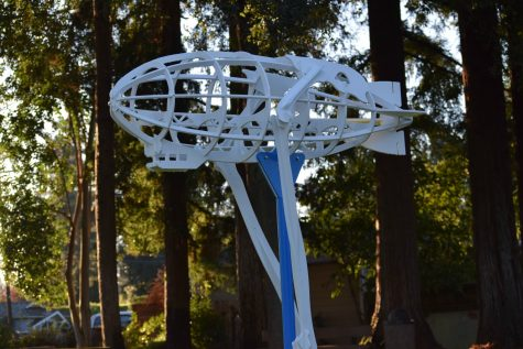 Los Altos Erects New Blimp Statue