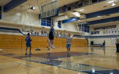 Boys basketball shoots into new season