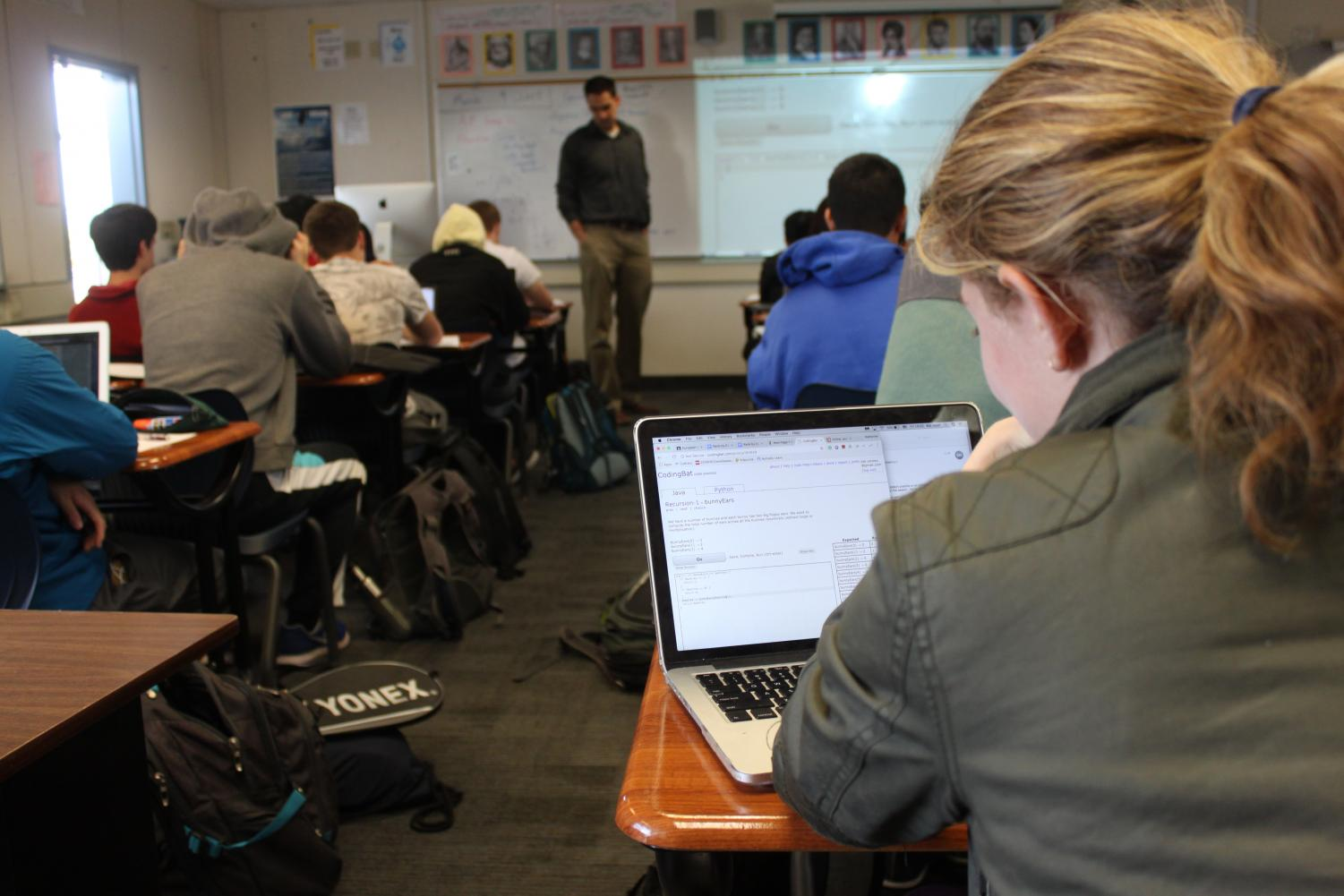Sophomore Kat Nasif works on a simulation to learn about recursion on Java in AP Computer Science. Los Altos will offer a computer science course in a partnership with Foothill College next year, where students who have completed AP CS can learn about advanced data structures and Android app development. Kristen Fan.