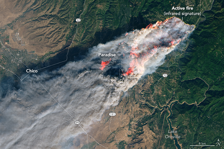 The+MVLA+School+District+closed+both+of+its+high+schools+on+Friday%2C+November+16+due+to+spreading+smoke+from+the+northern+California+Camp+Fire.+It+took+firefighters+more+than+two+weeks+to+contain+the+blaze+that+started+on+November+8.+Courtesy+NASA+Earth+Observatory.