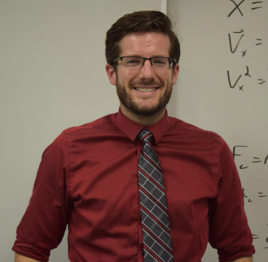 Physics teacher Stephen Hine returns to Los Altos five years after graduating. Contrary to what some may believe, Hine struggled with physics as a   sophomore and never expected that he would become a physics teacher.