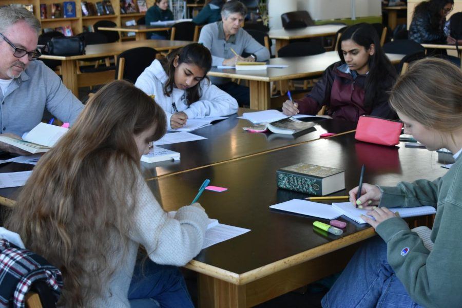 Creative Writing class debuts at Los Altos