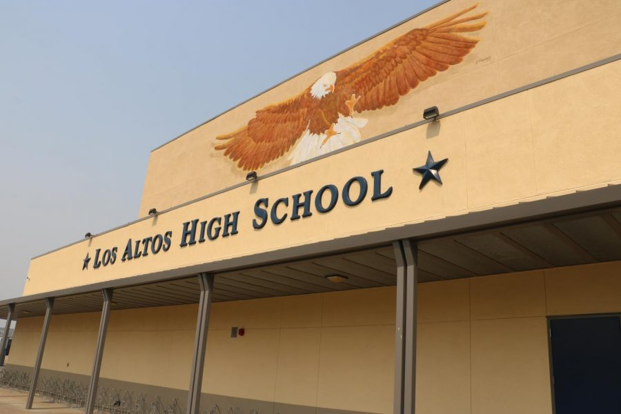 District follows state guidelines, mandating masks for the upcoming school year